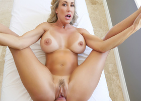 Busty mom delights with inches of heavy cock the right way