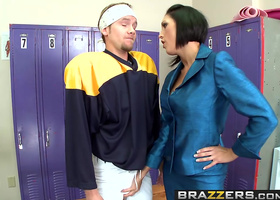 Short haired beauty seducing a young hung athlete