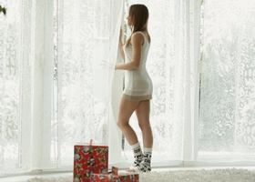 Athletic brunette having a passionate Christmas with her bf